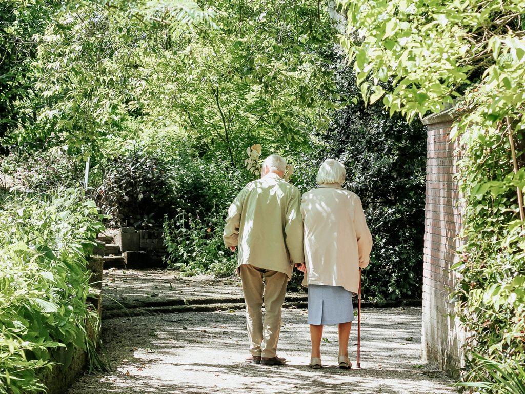 Alternatives Wohnen im Alter - allein oder in der
